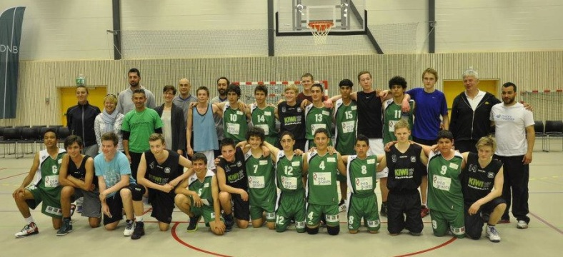 Michalis (right) with his team of Cypriots after the final match at the Hasna Cup in Bergen, Norway