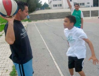 Pirlanka instructs PeacePlayers participants in Cyprus