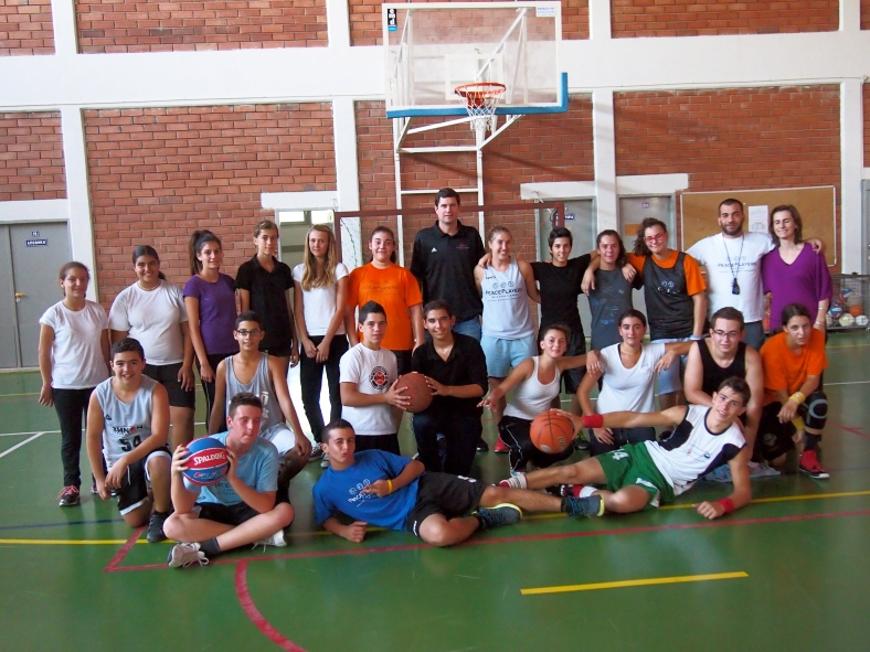 PeacePlayers-Cyprus participants practiced with PPI Executive Director and Co-Founder, Brendan Tuohey
