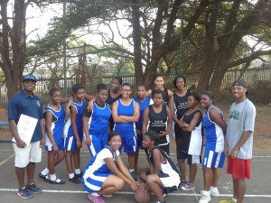 Coach Yamkela, and the Wentworth female LDP team pose for a picture with Grosvenor Girls High School after the game