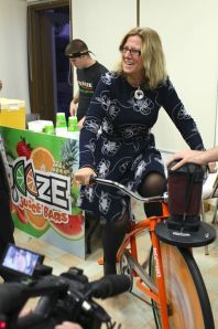 A bike that blends the juice on your own power!