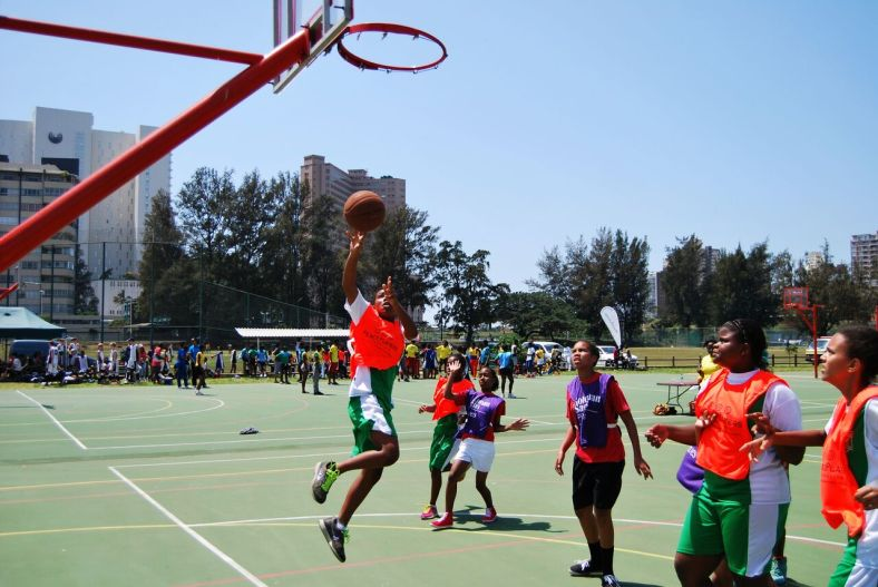 A PSP participant going for the lay-up.