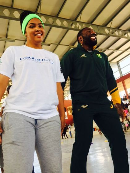 A YES Leader enjoying the activities with Springboks Tendai 'Beast' Mtawarira.